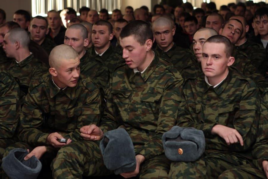 Повысят ли призывной возраст в России