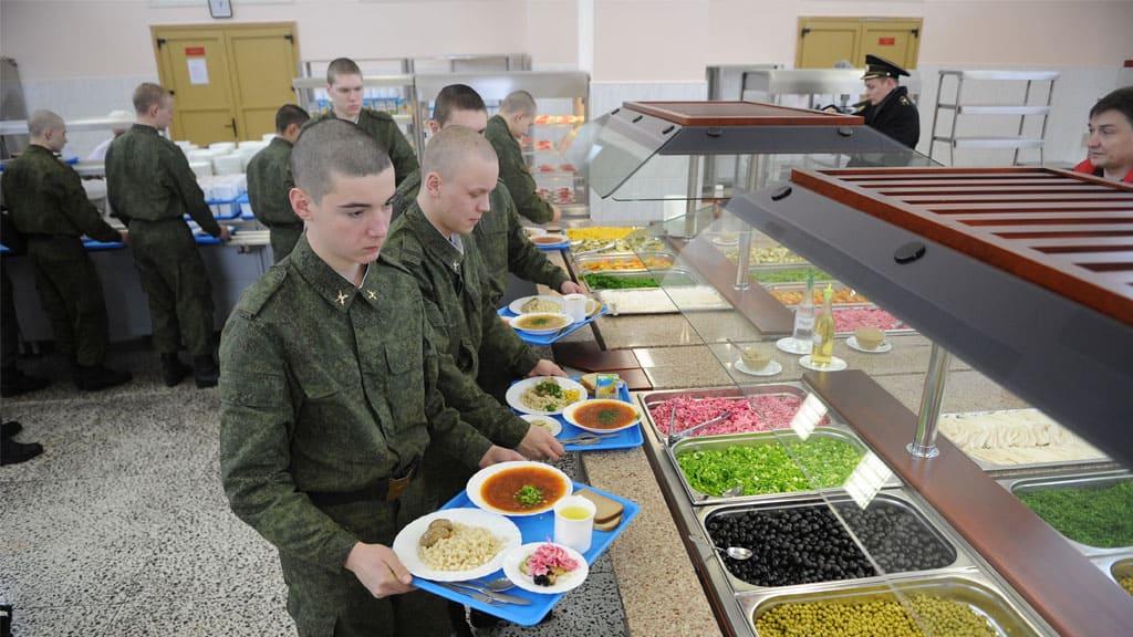 Чем кормят в армии России - рацион питания солдата